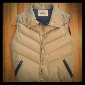Vintage Woolrich puffer vest with iconic sheep 🐑